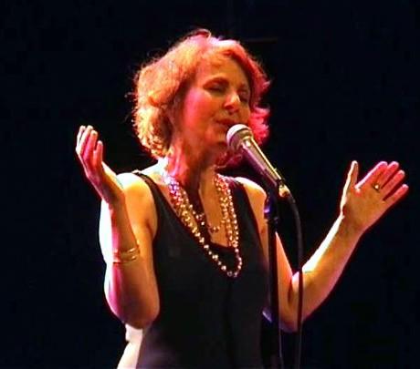 Léa Mimoun à l'Espace Icare, Issy-les-Moulineaux (Février 2008)