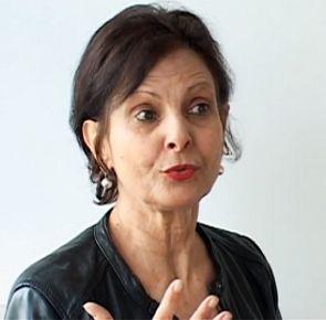 Interview : Léa Mimoun au Théâtre des Déchargeurs